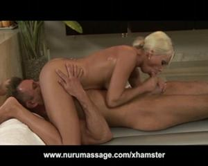 Massage turns blowjob