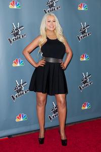[Fotos+Videos] Christina Aguilera en la Premier de la 4ta Temporada de The Voice 2013 - Página 4 Th_985953641_Christina_Aguilera_47_122_187lo