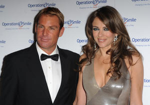 Элизабет Харли, фото 2296. Elizabeth Hurley - Operation Smile Ball in London - 11/10/11, foto 2296