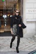 http://img283.imagevenue.com/loc453/th_26024_Jessica_Alba_Sighting_in_Paris4_122_453lo.jpg