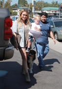 http://img283.imagevenue.com/loc522/th_831569446_Hilary_Duff_Heading_off_to_a_Veterinary_Clinic5_122_522lo.jpg