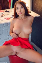 http://img283.imagevenue.com/loc530/th_211275713_057_123_530lo.jpg