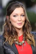 http://img283.imagevenue.com/loc554/th_238023898_Katie_Cassidy_on_the_set_of_Extra_at_The_Grove10_122_554lo.jpg